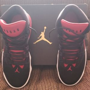 Jordan Max Aura size 8.5